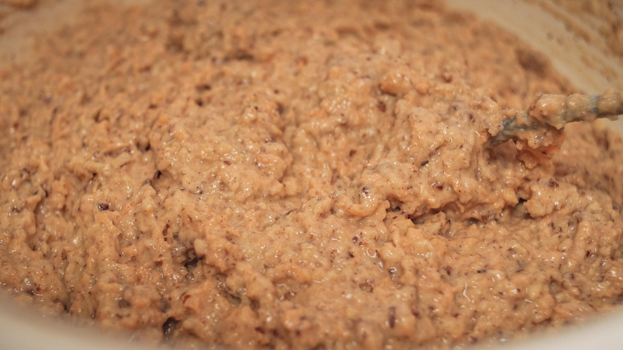 Fertiger Teig für veganen Möhrenkuchen | © Boardshortslife