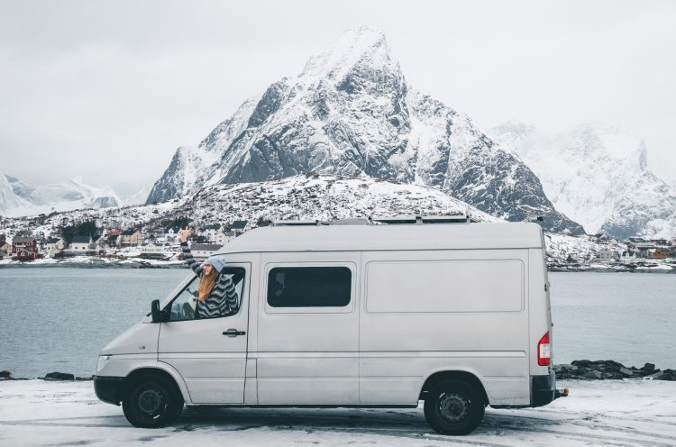 Wintercamping auf den Lofoten | © Boardshortslife